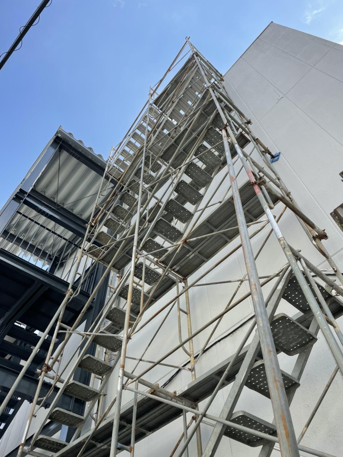 福井県越前市 屋上防水工事用 昇降足場組立