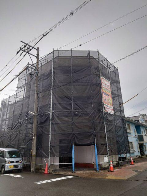 外壁改修現場. 足場工事 (福井市)