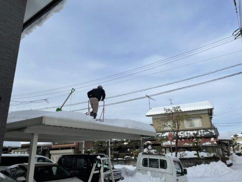 雪降ろし(越前市)